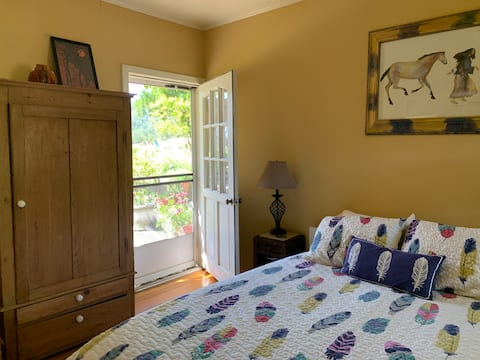 Poolside Room with Southwest decor