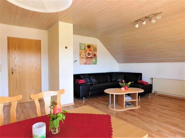 Ferienhaus Toni, (Hohenstein), Käppelesblick, 90qm, Garten, 2 Schlafzimmer, max. 4 Personen