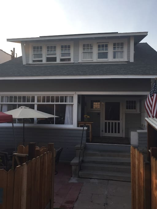 Our Beachy Venice Craftsman was built in 1910.