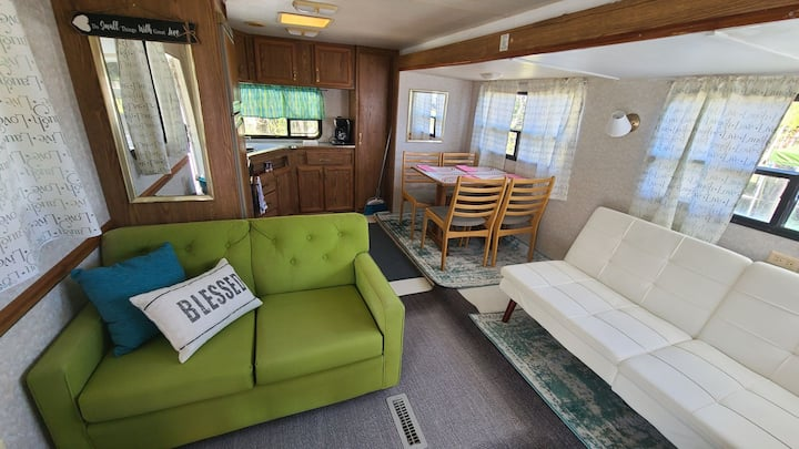 The Smooth Glamper. Rv in resort on Pine Island