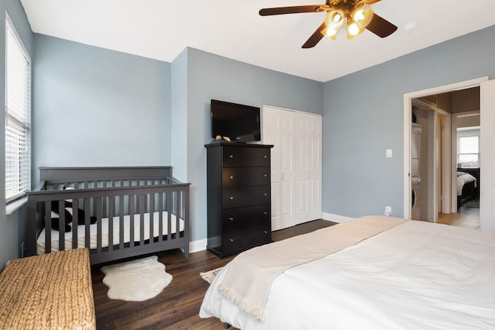 Second Floor Master Bedroom with King Bed and Crib