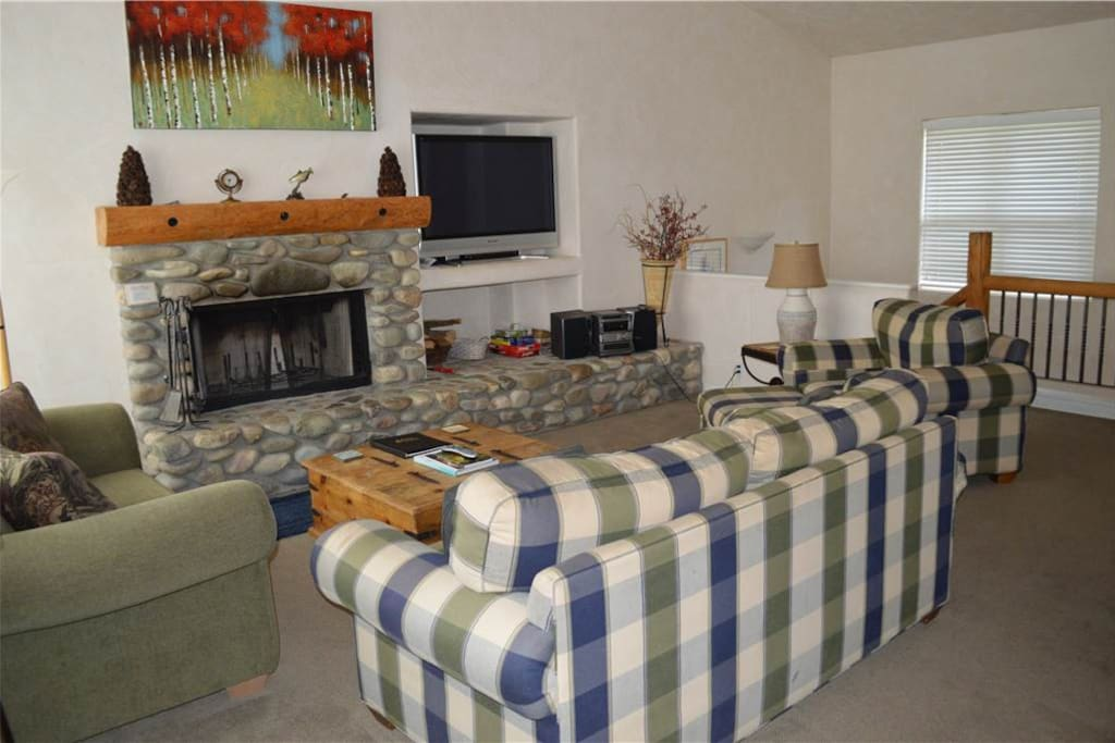 Fireplace, Hearth, Couch, Furniture, Bedroom