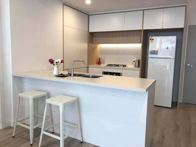 BRAND NEW 2 Bed 2 Bath | Walk to Penrith Station