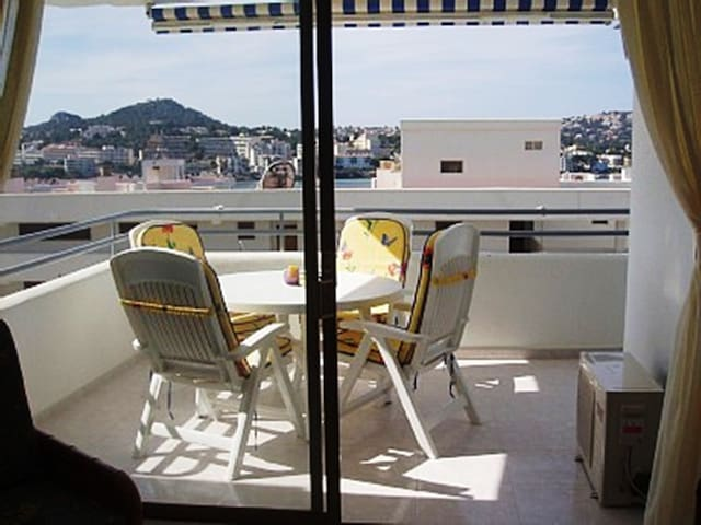 Spacious Apartment in the Heart of Santa Ponsa - Santa Ponsa - Apartment