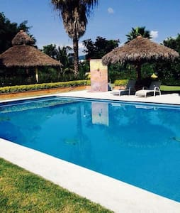 Casa ideal, fines de semana, puentes y vacaciones - Xochitepec - House