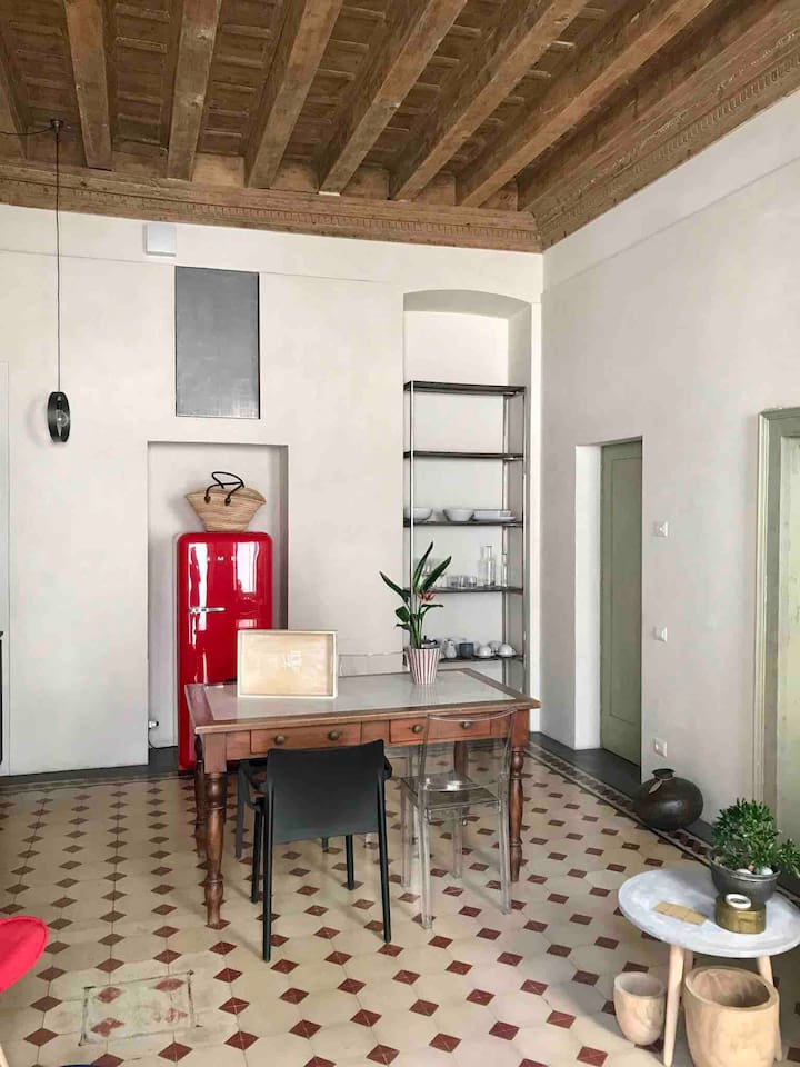 Flora II Apartment