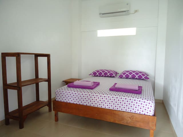 Treetop Guesthouse room 2 - Sabang - Apartamento