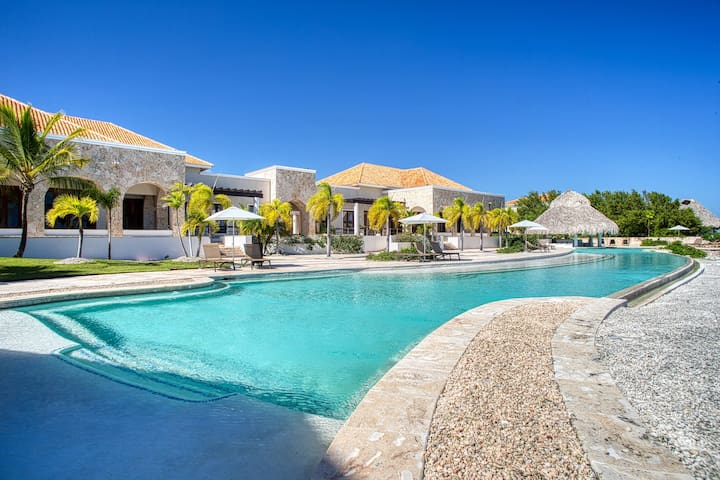 Condo w/ mini pool and Balcony - 15 min from PUJ