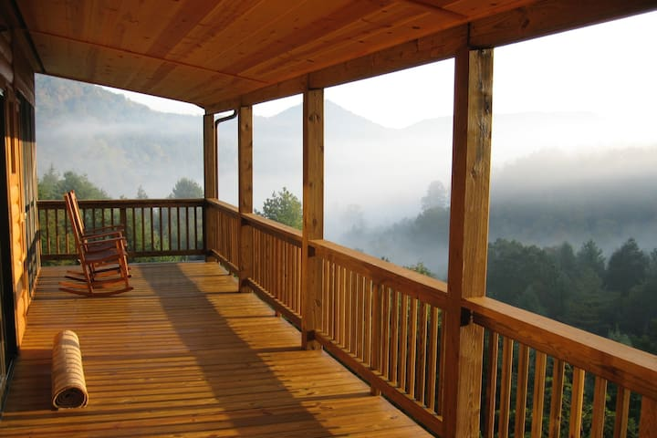 Deluxe Mountain Cabin with Yoga Studio and Views - Lost City - Srub