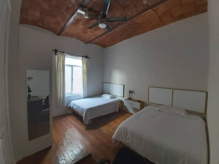 Room in the best location/ Roma Norte