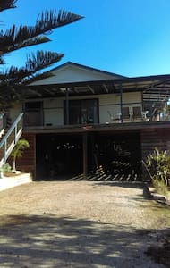 Symuya holiday house on the 90 Mile beach