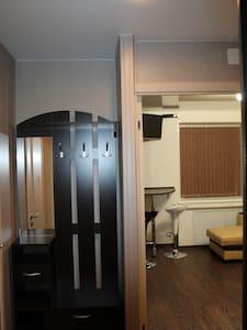 Чистая и уютная квартира у горнолыжного склона - Kirovsk - Pis
