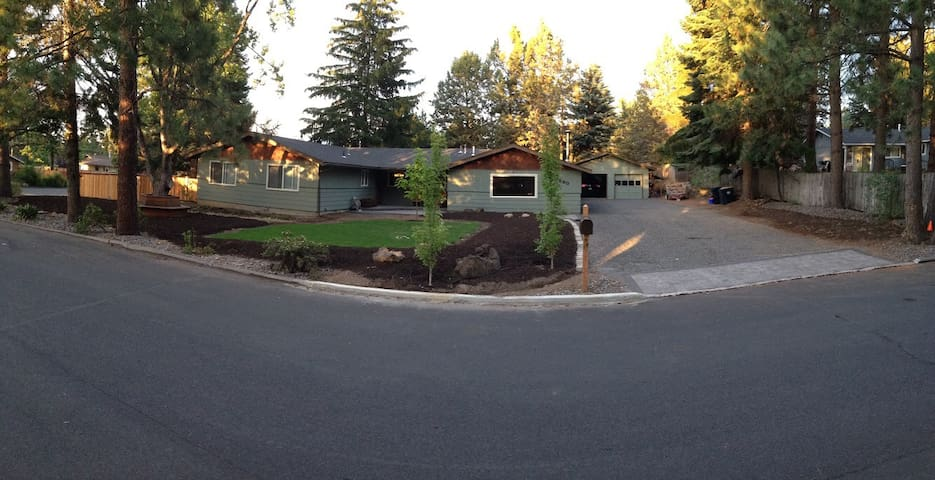 PRIVATE STUDIO / OFFICE IN MID-TOWN AREA OF BEND
