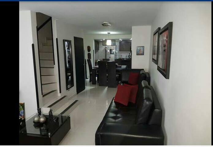 Casa con un ambiente familiar y calor de hogar