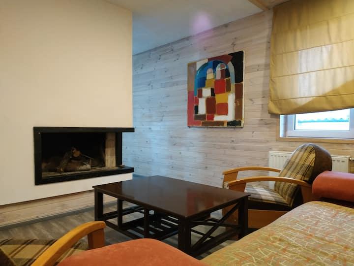 Уютное бунгало с камином и барбекю