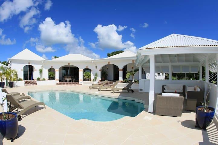 Villa Santa Clara, charme & confort - Les Terres Basses - Rumah