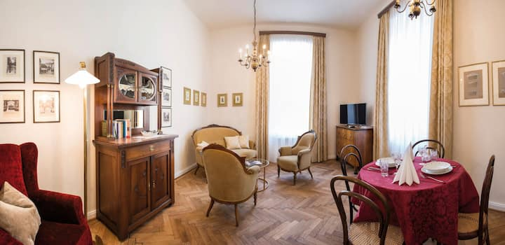 "Nostalgie Apartment ""Kleinod"" - adults only"