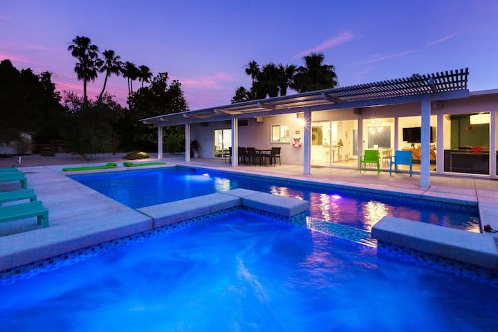 Plaimor Paradise: Luxury Mid-Century Modern Resort