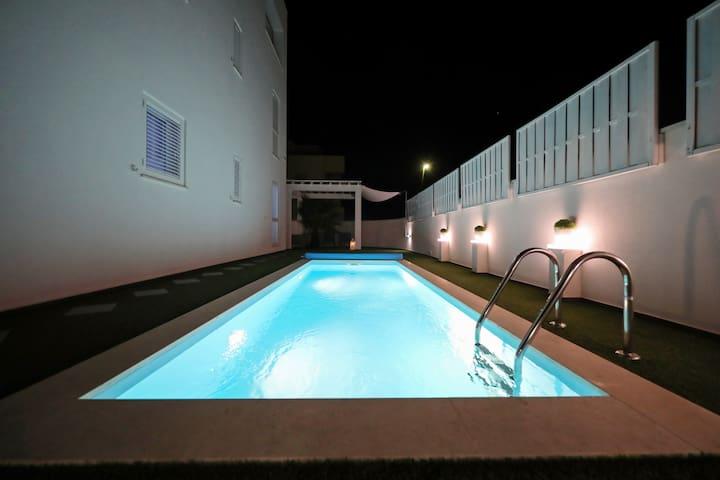 Villa DOEL-STUDIO-heated outdoor pool 15.4.-15.10.