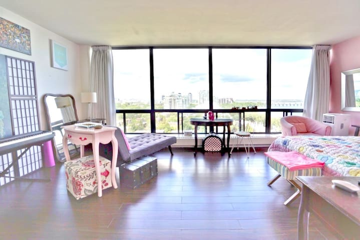 Great studio apartment with a killer view