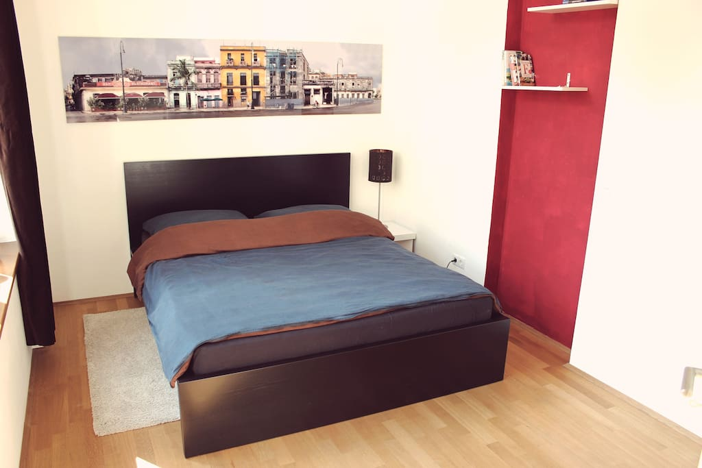 Guestroom / Bed