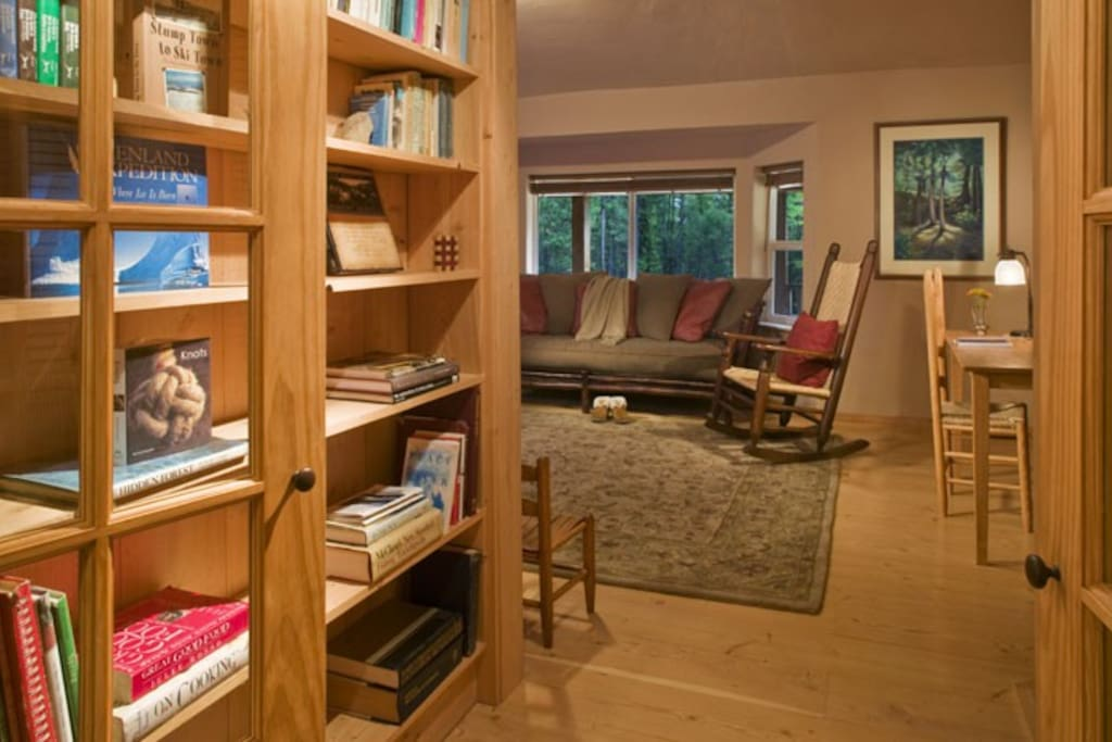 West suite access to side 2 via French doors.  Books, games, and puzzles for guests to enjoy.