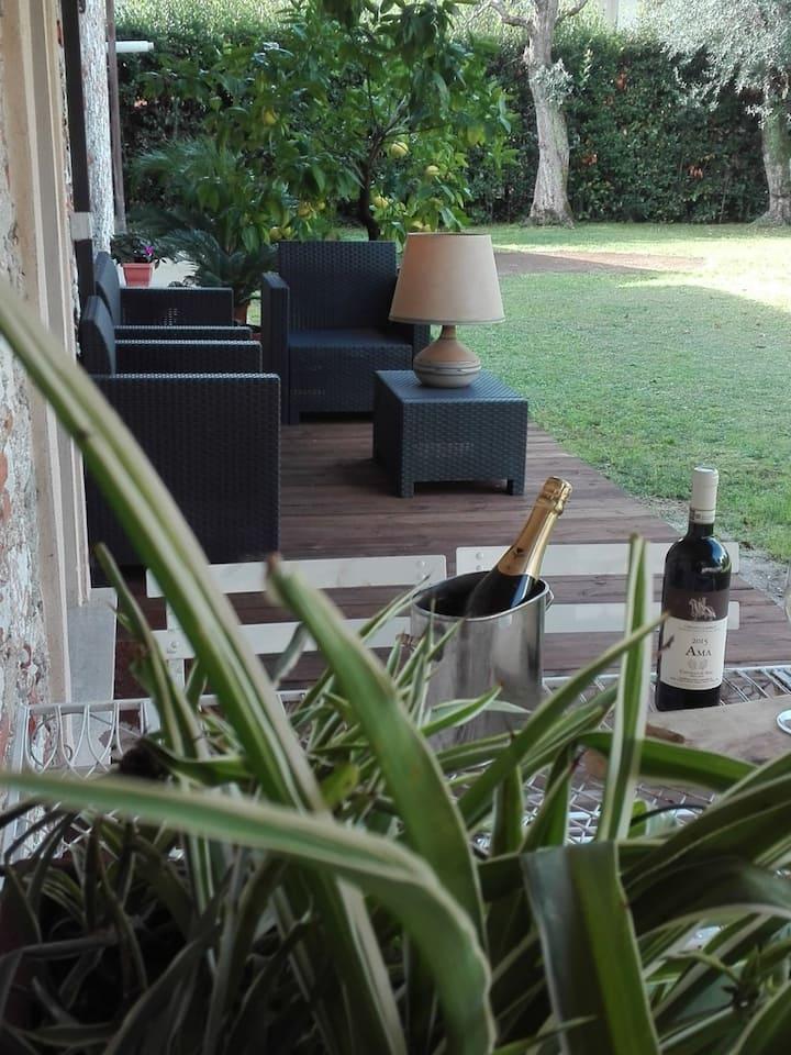 Dimora La Limonaia.  Casa singola con giardino.