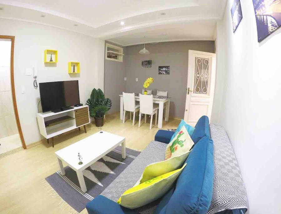 Nossa sala de TV (SKY)  integrada com sala de jantar
