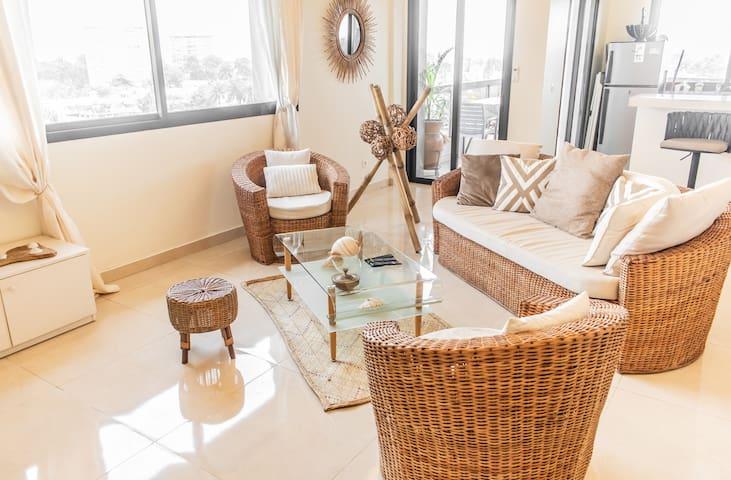 Cosy Studio K 92m² avec balcon et vue sur le Wouri