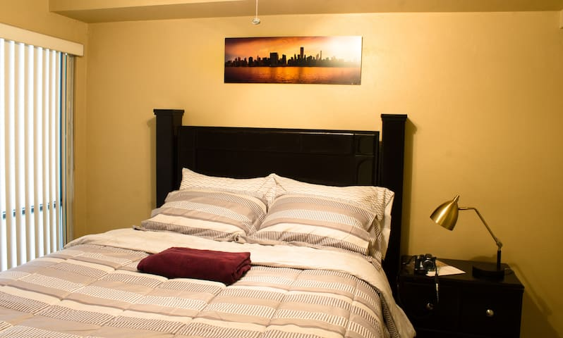 Cozy Room - feet away from Shands & UF - Gainesville - Apartment