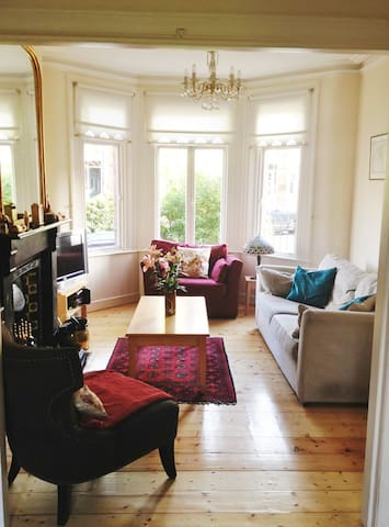 3 bed Edwardian period house in lively Ranelagh