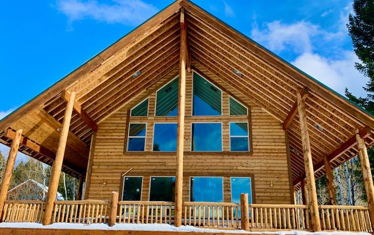 Yellowstone Moose Lodge-10Miles2YNP+Hottub+Wifi+AC
