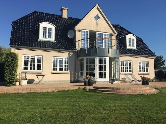 Stor patricia villa tæt på Århus - Hornslet - Casa