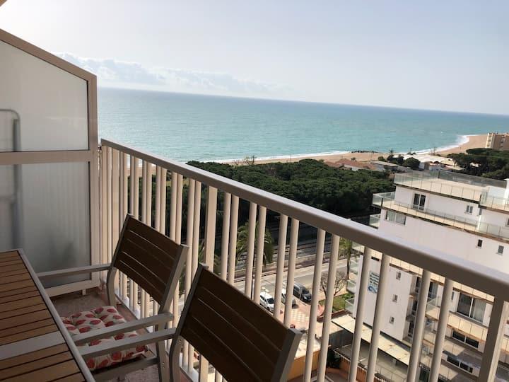 Luxury apartment next to the beach