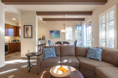 Legacy Villas Resort Luxury Next to Paseo Fountain