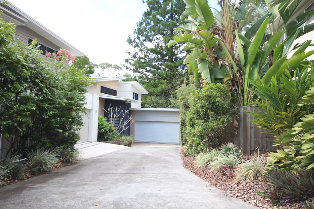 Set in a gated community of 6 houses