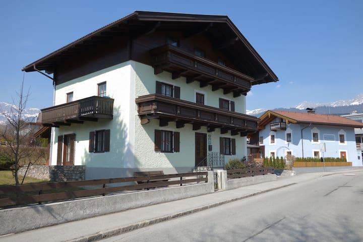 3) Salzburg Ski u Wanderzirkus 1 Pers. - Saalfelden am Steinernen Meer - Maison