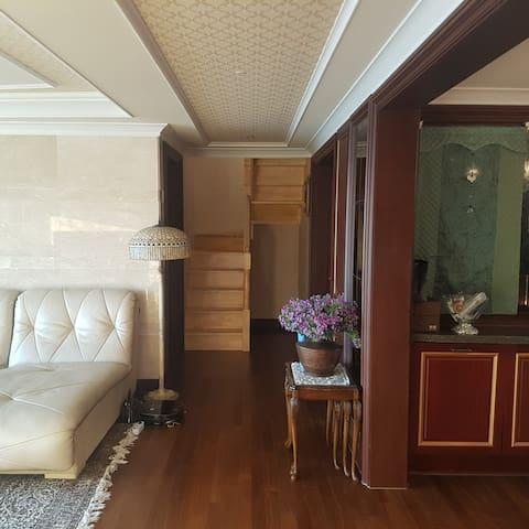 KONG'S HOUSE IN SEOK DONG JINHAE