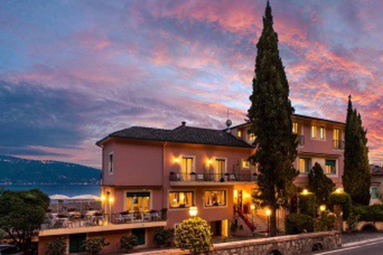 Villa Europa Hotel al tramonto