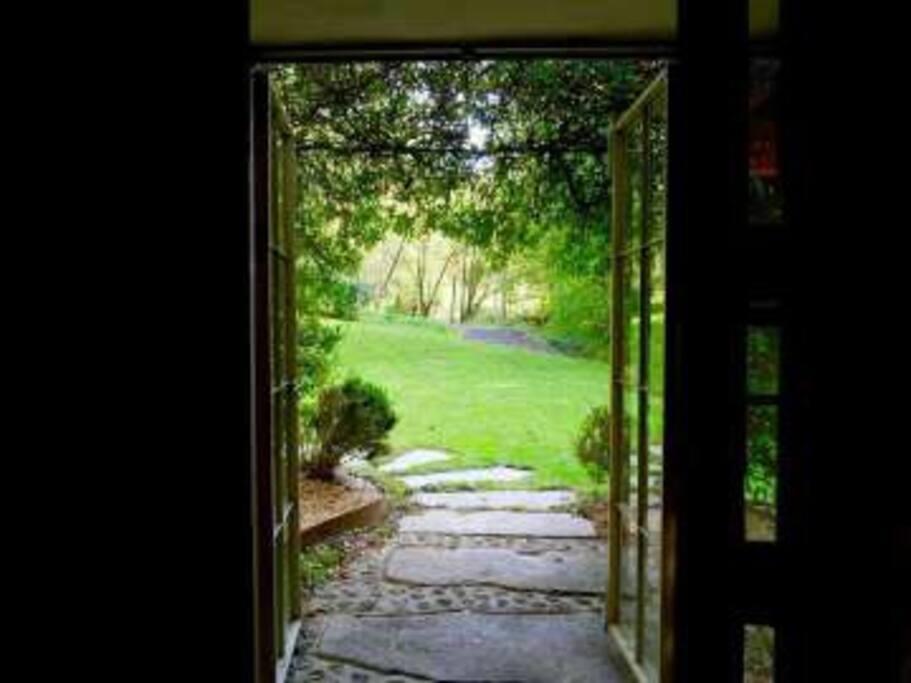 Id lico molino entre bosque y r o casas en alquiler en for El jardin prohibido restaurante