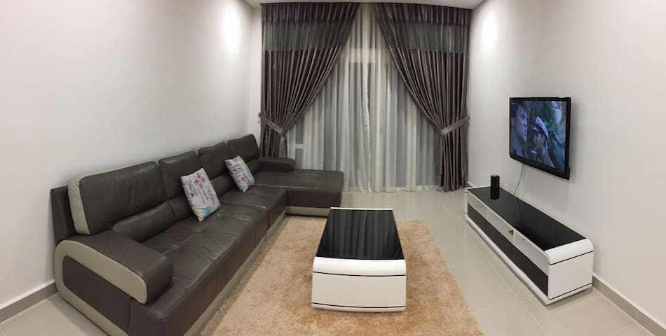 2 bedroom Condo - Legoland area (wifi/Hypp Tv)