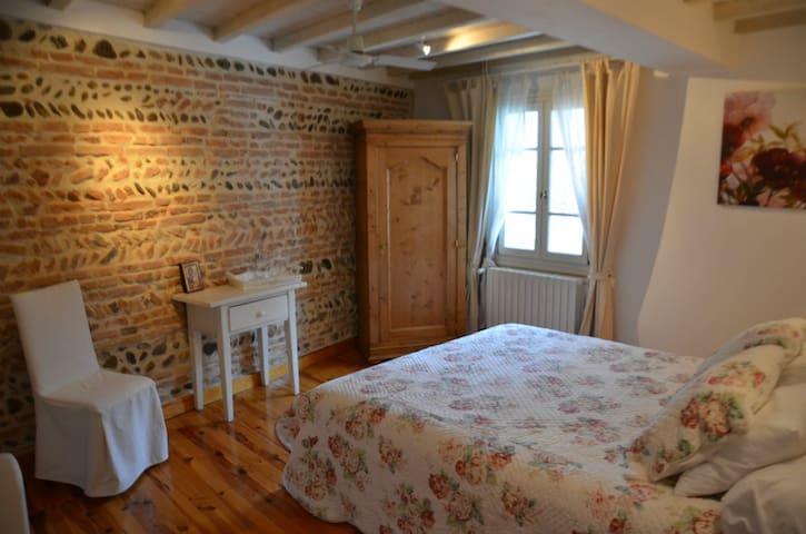El gantes chambres d 39 h tes bed and breakfasts for rent - Le petit jardin winter garden lyrics toulouse ...