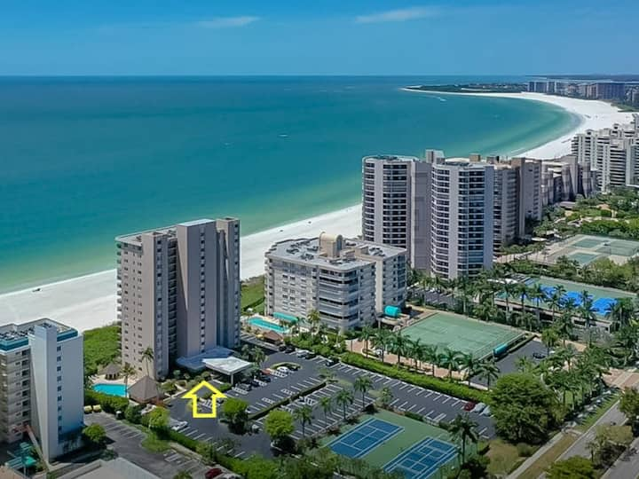 Beachfront 2 Bed at Popular Seawinds!!!