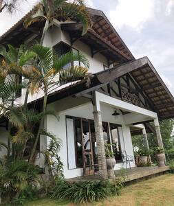 Villa EVATA