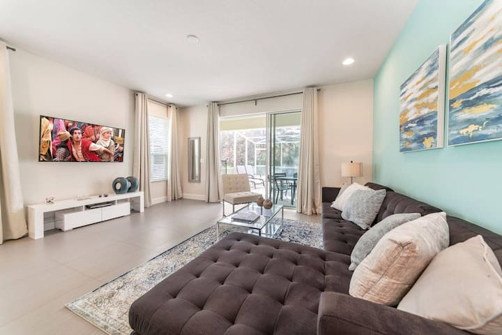 Stunning 3 bedroom townhome