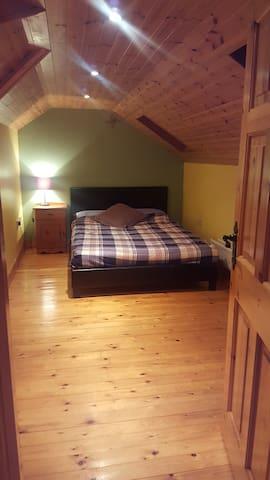 Comfortable Cosy Home:  1 x Double 3 x Single