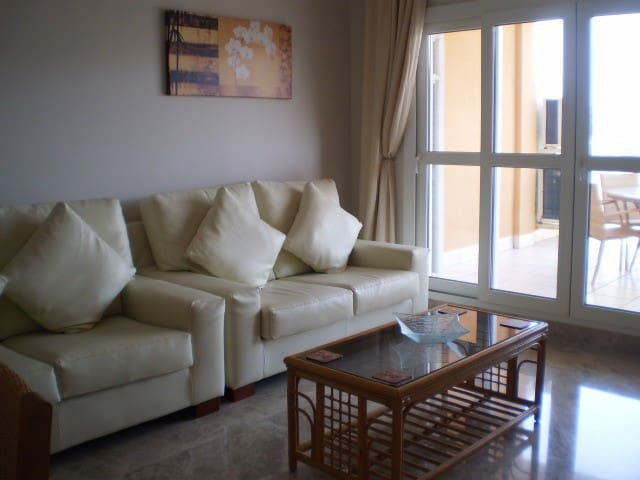 PF09 - 2 bedroom centrally located apartment