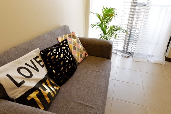 Tropical Vibe and Cozy home at Mirea Residences