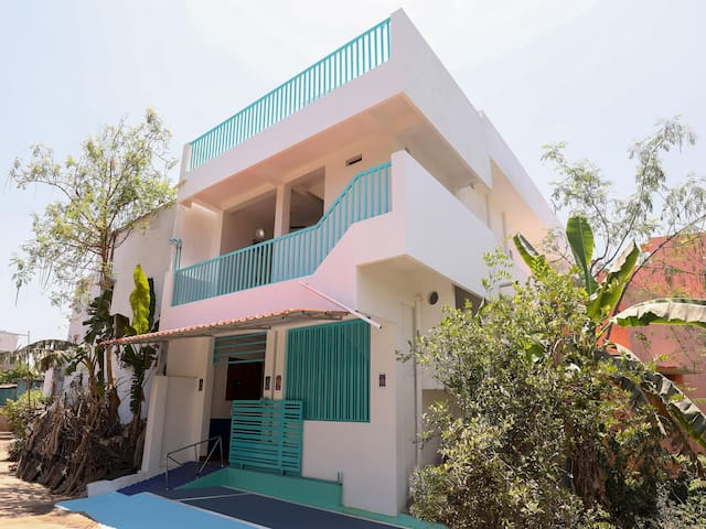 OYO - Big Savings! Spacious 2BHK Home, Pondicherry