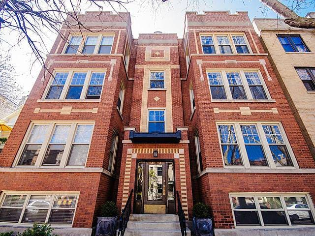 Andersonville Condo with Queen Bed & Private Bath
